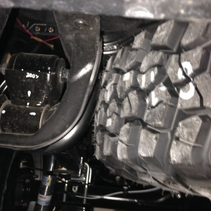 10-02-13_--_Tire_Carrier_Exhaust_33_Spare_Mod_--_Driver_Side_Clearance